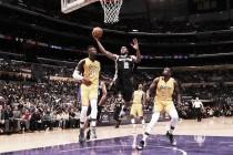 Kawhi Leonard desequilibra e San Antonio Spurs vencem Los Angeles Lakers