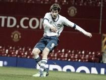 Everton sign Bury defender Foulds
