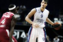 TBL: Saric salva l'Efes,Kolejliler battuto 67-69