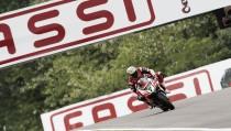Sólo Davies puede con las Kawasaki en Imola