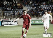 Wenger pide descanso para Héctor Bellerín