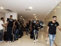 Delegação do América-MG chega a Alagoas para jogo contra Murici