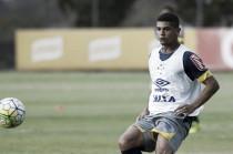 Após cinco partidas, Cruzeiro anuncia liberação do volante Denilson