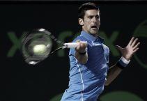 Djokovic sufre para reprimir la anarquía de Dolgopolov
