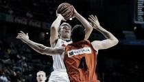 Un estelar Luka Doncic explota en el derbi