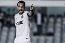 """Mesmo com vitória do Santos, Dracena cobra equipe: """"Tem que ser mais coletivo"""""""