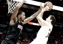 NBA - Miami castiga un'opaca Houston, DeRozan scrive 36 e Toronto saccheggia Brooklyn