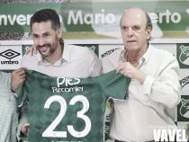 """Álvaro Martínez: """"Los únicos que arreglan ese tema son ellos"""""""