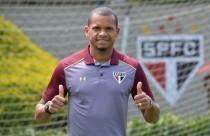 São Paulo anuncia contratação do lateral Edimar, ex-Cruzeiro