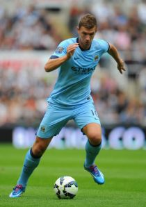 Edin Džeko signs new four-year deal with Manchester City