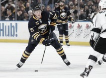 Buffalo Sabres use big second period to defeat Los Angeles Kings 6-3
