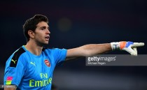 Emi Martinez signs new Arsenal contract
