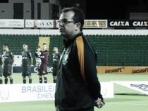 Enderson Moreira lamenta empate do América-MG diante do Figueirense e critica arbitragem