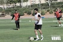 El Almería continúa preparando el encuentro ante el Nàstic con parte de la defensa en cuadro