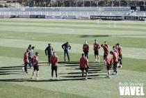 Vuelta a los entrenamientos con el Calderón en el punto de mira