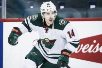 Los Rangers firman a Justin Fontaine