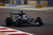 F1, Bahrain - Qualifiche: pole di Hamilton, prima fila Mercedes. Terzo Vettel