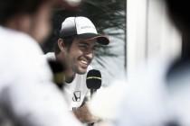 Fernando Alonso olvida su aniversario de bicampeón y quiere la tercera corona