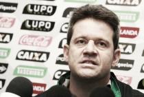 Argel Fucks pede demissão após derrota do Figueirense contra Cruzeiro