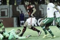 Com arbitragem polêmica, Flamengo arranca empate contra Chapecoense nos acréscimos
