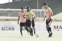 Roberto Cavalo define substitutos de suspensos para o último jogo do Criciúma em 2016