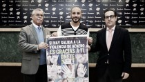 El Málaga se compromete contra la violencia de género