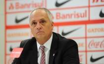 Marcelo Medeiros mostra cautela em possível retorno de Taison ao Inter