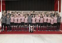 Las leonas reciben el trofeo de Campeonas de Superliga