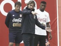 Ricardo Gareca lanzó advertencia a Carlos Ascues