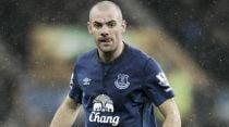 Everton planning Gibson contract talks