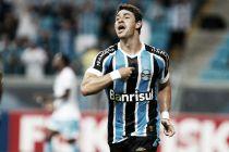 Com show de Giuliano, Grêmio vence e mantém liderança do Gaúcho