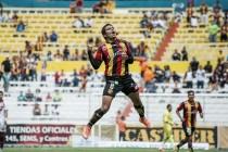 Leones Negros mantiene paso perfecto, derrotaron 3-1 a Coras Tepic