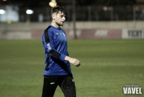 Aitor Granados se entrena con el Espanyol B