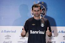 Bruno Grassi é apresentado pelo Grêmio e afirma que não esperava salto tão grande na carreira