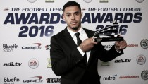 Andre Gray, jugador del año en la Football League