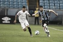 Ainda sonhando com título, Santos recebe embalado Grêmio na Vila Belmiro