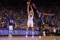 NBA - I Pacers si inchinano a Klay Thompson. Terza sconfitta di fila per i Lakers: passa Utah