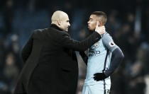 Guardiola indica retorno de Gabriel Jesus no dérbi, mas alerta sobre sua condição física