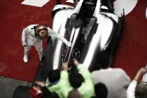 Hamilton vence GP da China e lidera campeonato ao lado de Vettel