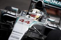 Lewis Hamilton da el primer hachazo