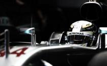 Hamilton golpea con su martillo en Monza