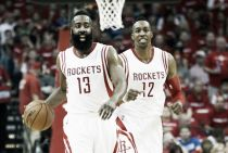 Harden y Howard guían a Houston al primer triunfo