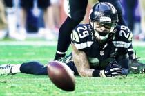Seattle Seahawks safety Earl Thomas exits Sunday Night Football with leg injury