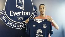 Everton complete Henen signing