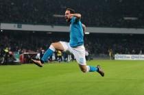 Il Napoli di Sarri nella storia: torna primo in solitaria dopo 25 anni, battendo 2-1 una ottima Inter