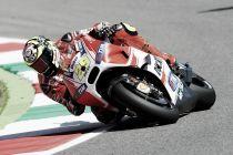 Andrea Iannone reina en el descalabro de Márquez