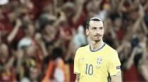 Manchester United target Ibrahimovic is a big name, says Hazard