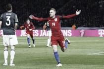 Inglaterra enmudece el Olímpico de Berlín