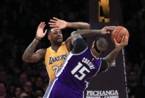 NBA - Cousins ne realizza 40 ed i Kings passano di misura sui Lakers
