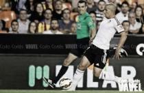 El Valencia abre expediente a Feghouli y le suspende de empleo